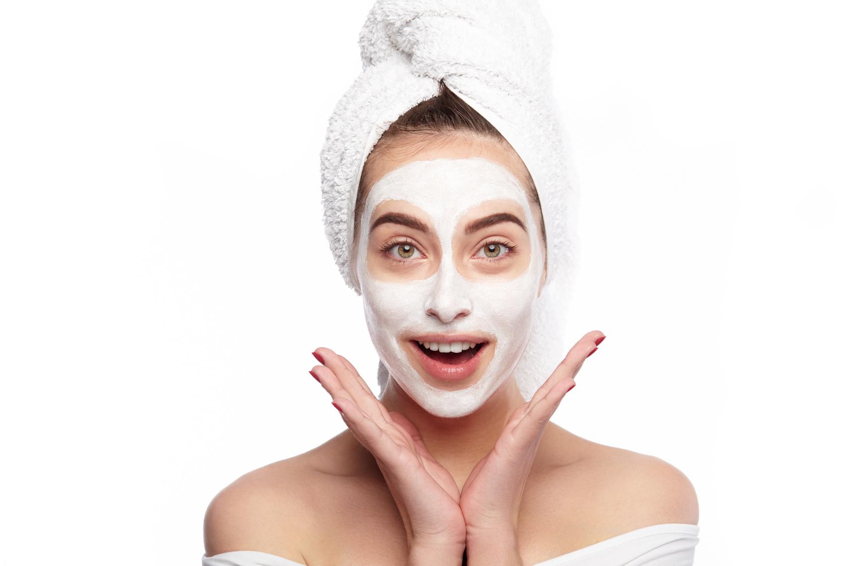 Cuidados do rosto: qual é a ordem certa da aplicação dos cosméticos?