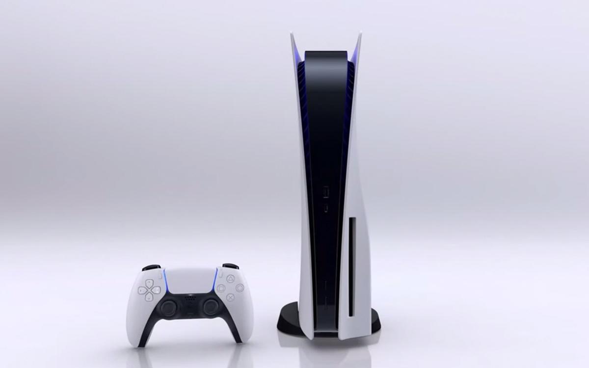 PlayStation 5 standard e comando DualSense