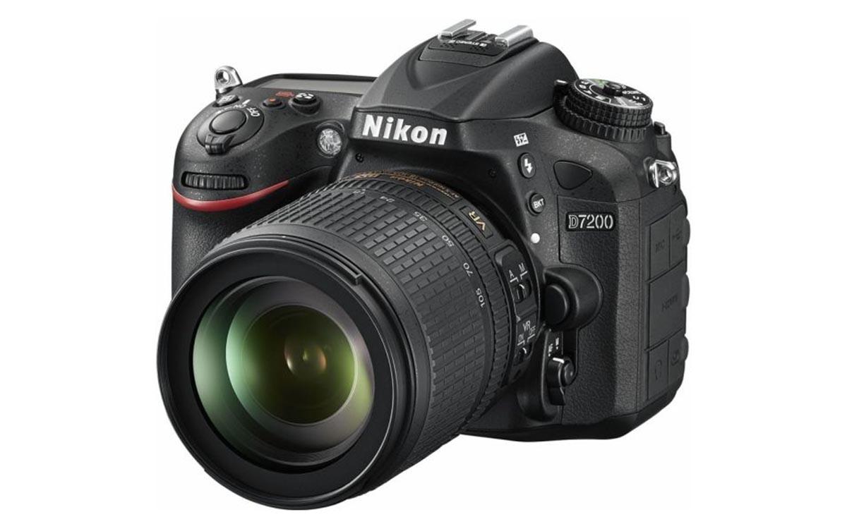 Nikon D7200 Black + 18-105mm f/3.5-5.6G AF-S DX ED VR