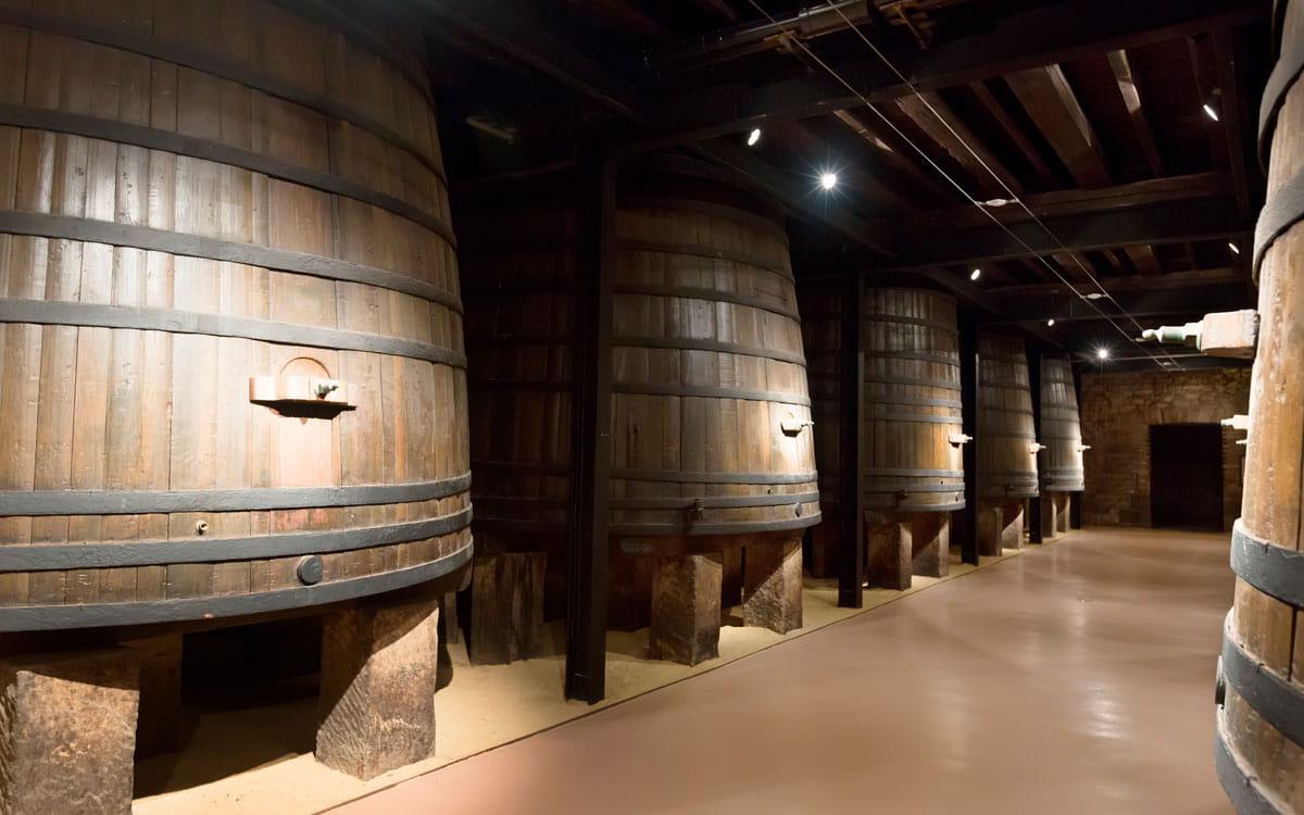 cidade do porto, caves do vinho interior